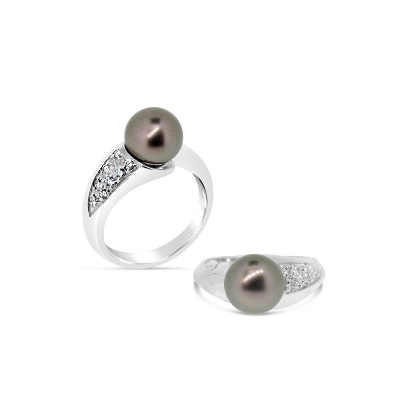 Aires Custom Fashion pearl and diamond ring