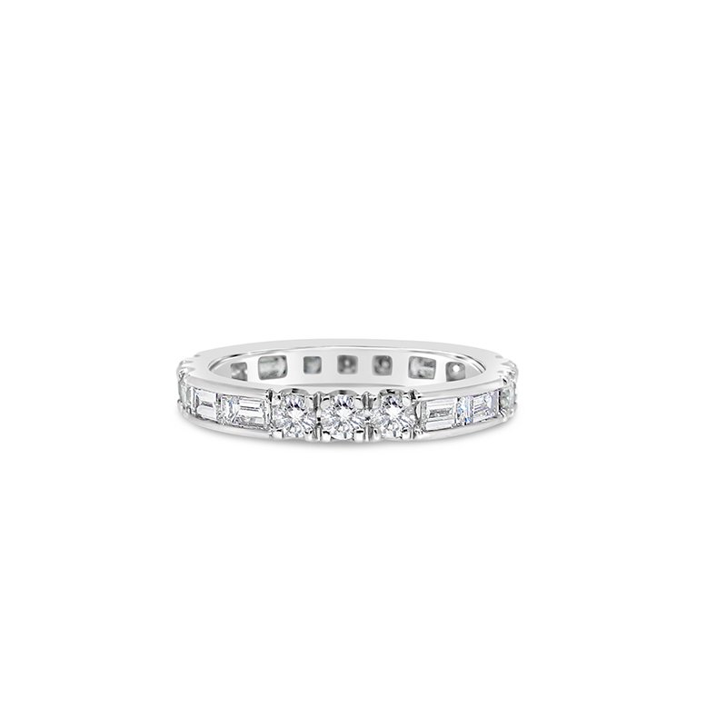 Aires Custom Bridal round and baguette diamond band