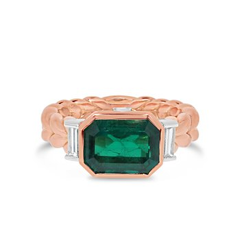 emerald and diamond ring
