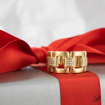 Gold Links Ring