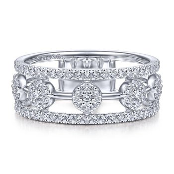 14K White Gold Round Diamond Station Ring