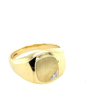 Gent's diamond set signet ring.