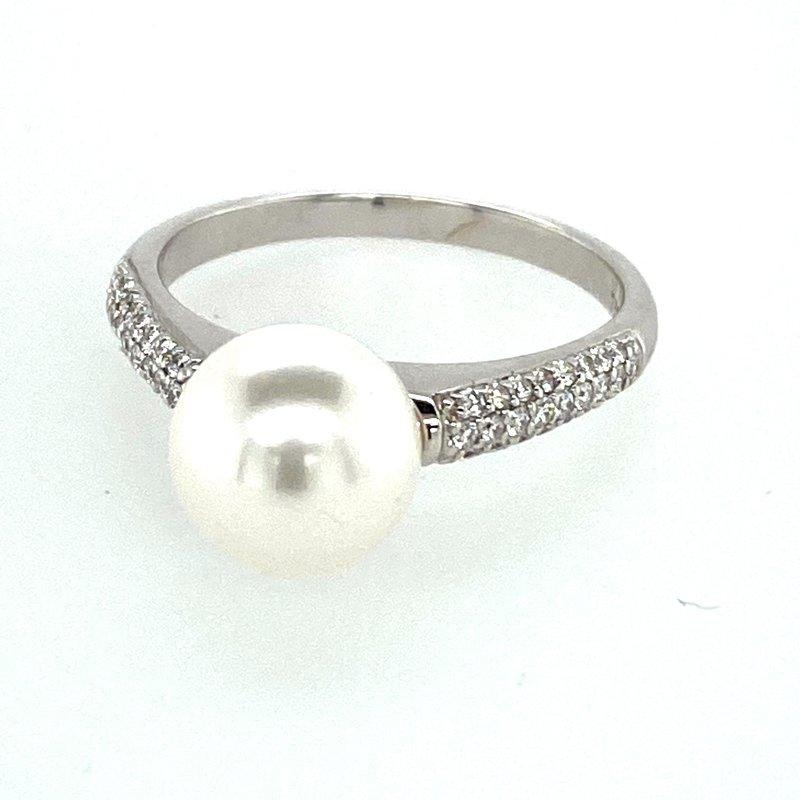 Ashley Pearl & Diamond Ring