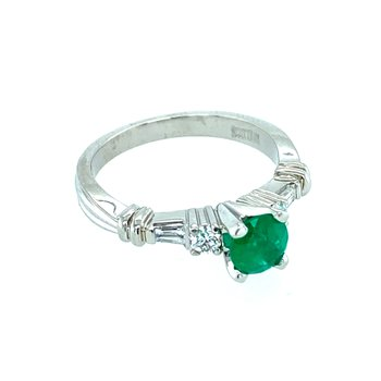 Ladies Emerald & Diamond Ring