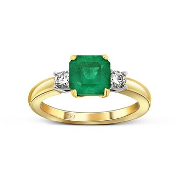 Emerald & Diamond ring.