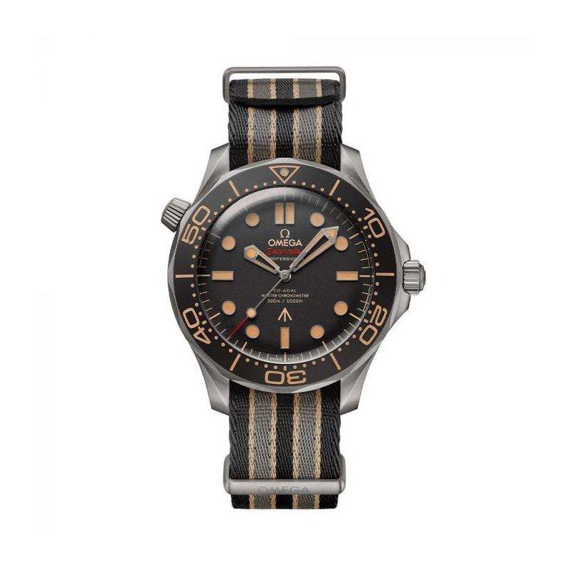 OMEGA Seamaster Diver 300 007 Edition on NATO Strap