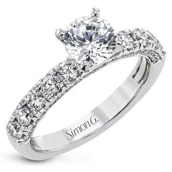 18kt 1.73carat tw Diamond Set Engagement Ring