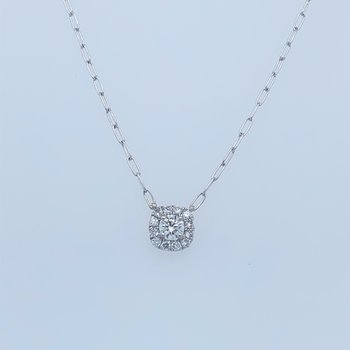 Diamond pendant with halo