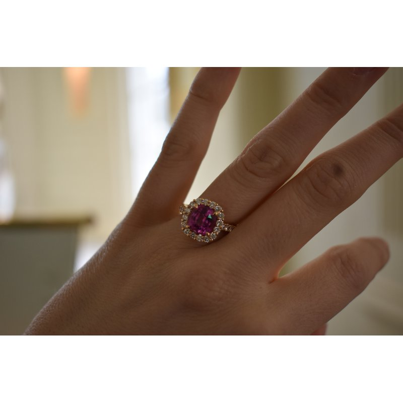 Hartgers Collection Pink Sapphire Ring