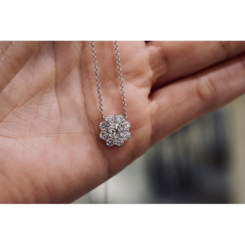 Hartgers Collection Diamond Cluster Necklace, 1.09 ct / white gold