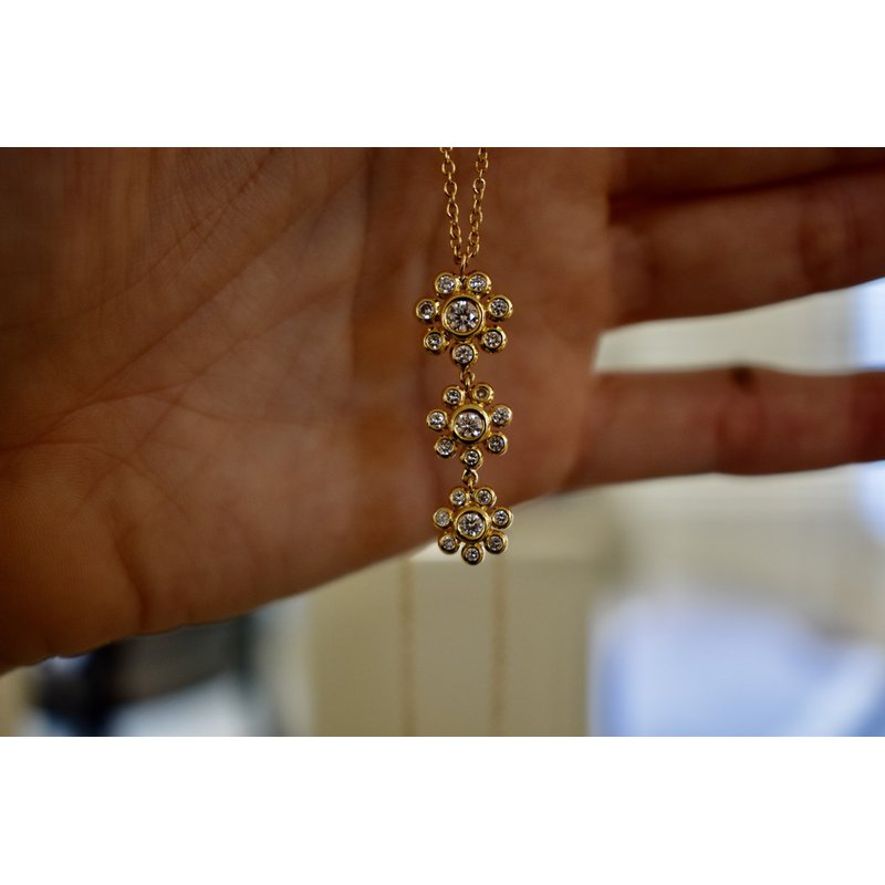 Hartgers Collection Drop Flower Necklace
