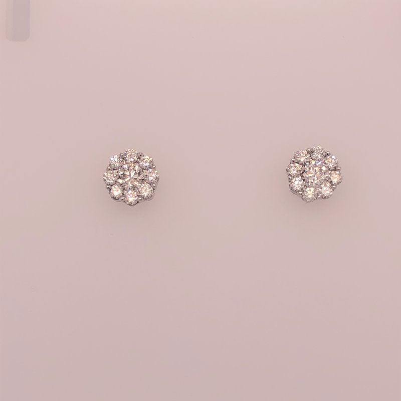 Diamond cluster earrings, 1.01 cts