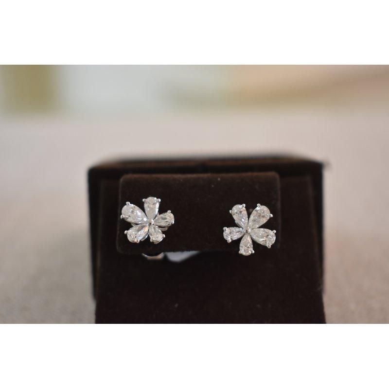 Hartgers Collection Flower Earrings in Pear Diamonds