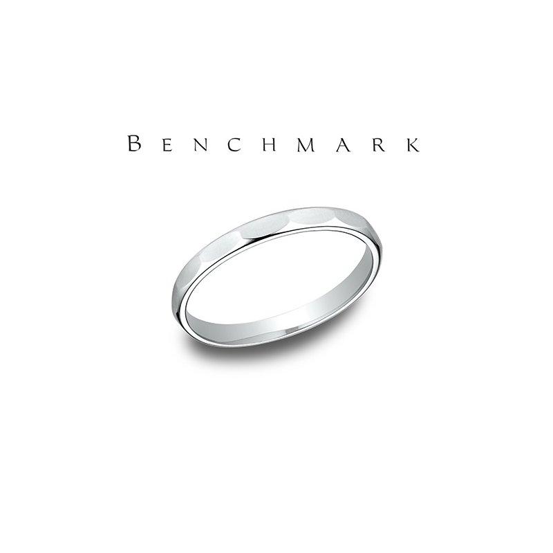 Benchmark 400-00747