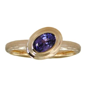 Purple Sapphire (0.97ct) Ring in Angled Bezel Set in 18K Gold