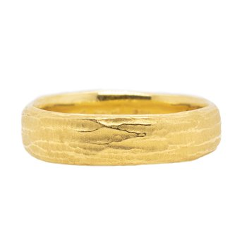 Redwood Bark Band (7mm) in 22K Gold