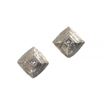 Pyramid-Shaped Platinum and Diamond Studs
