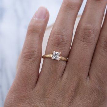 Diamond (0.69ct) Ring in 18K Rose Gold