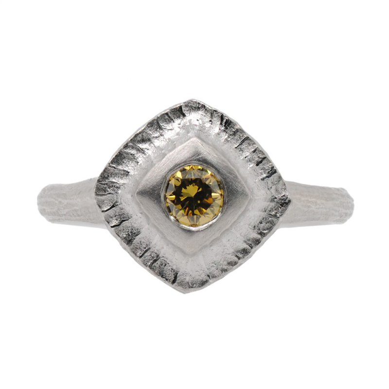 Michael Endlich Designs Rectangular Platinum Ring with a Yellow Diamond (0.26ct) Center