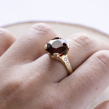 Spessartite Garnet (9.57ct) Ring with Diamonds in 18K Gold