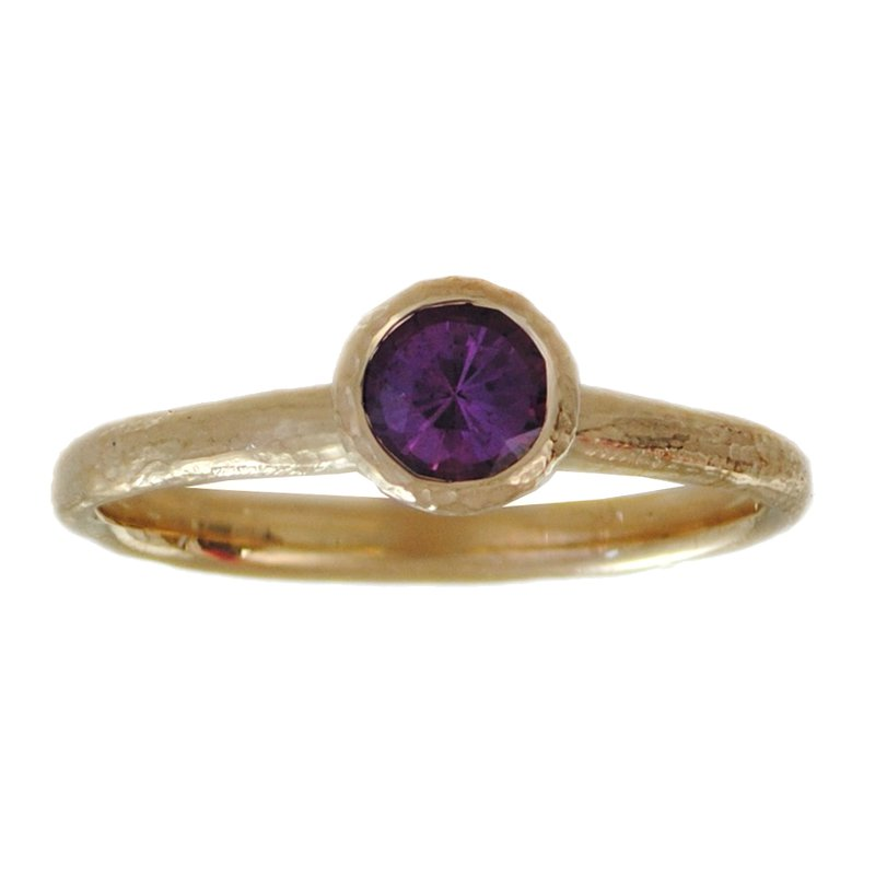 Michael Endlich Designs Yellow Gold and Purple Sapphire (0.56ct) Ring