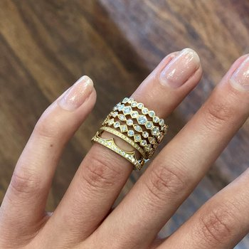 """""""Crown"""" Band in 18K Yellow Gold"""