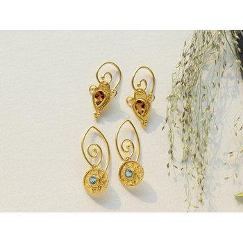 Blue Topaz Drop Earrings in 18K Gold