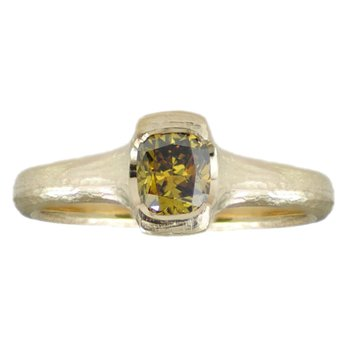 Yellow Green Diamond (0.45ct) Ring in 18K Yellow Gold