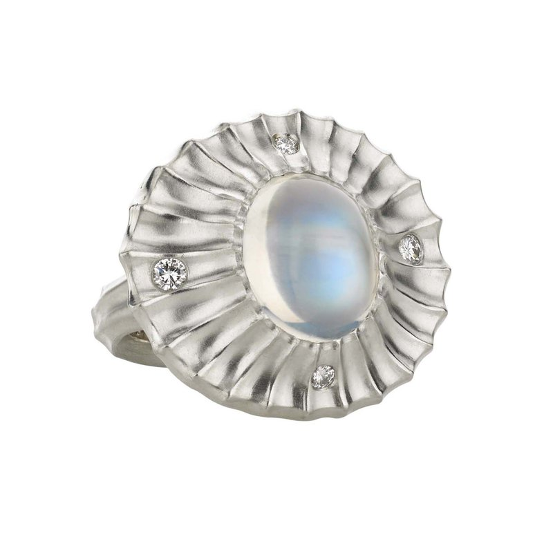 Michael Endlich Designs Moonstone (9.35ct) Statement Ring with Diamond Accents in Platinum