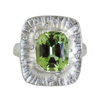 Green Tourmaline (3.49ct) Statement Ring in Platinum
