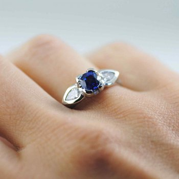 Ceylon Blue Sapphire (1.00ct) Ring with Diamond Accents in Platinum