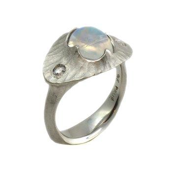 Rainbow Moonstone (3.14ct) and Diamond Ring in Textured Platinum Bezel