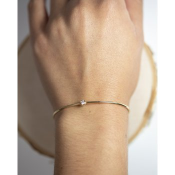 Gold Bangle with Round Brilliant Diamond