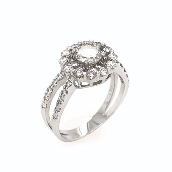 18k Open Halo Diamond Engagnement Ring