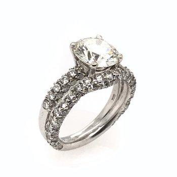 18k Diamond Engagement Ring with Matching Diamond Band
