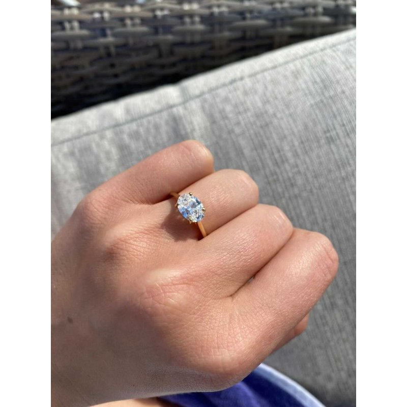 East to West Oval Brilliant Diamond on Solitaire Band