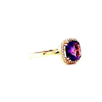 14 Karat Yellow Gold Cushion Amethyst Fashion Ring with Diamond Halo