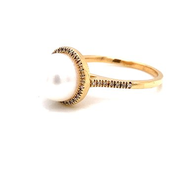 14 Karat Yellow Gold Pearl and Diamond Ring