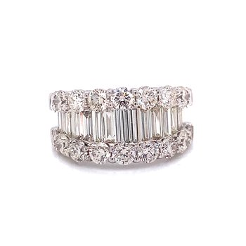 14 Karat White Gold Round and Diamond Baguette Band