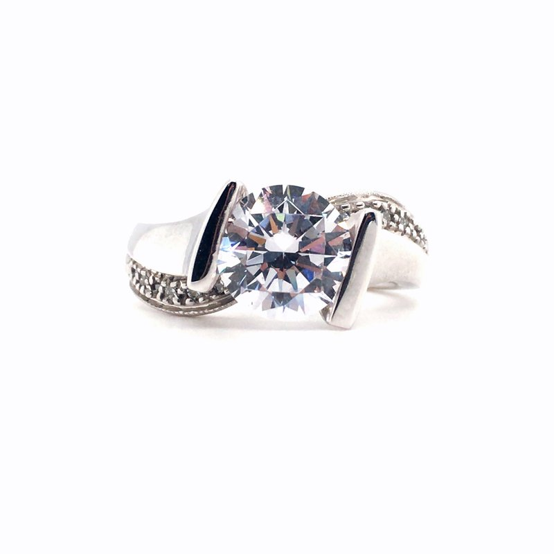 Frank Reubel Designer Bridal Semi-Mounting Center Diamond