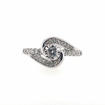 Round Center Stone with Swirl Accents Diamond Ring