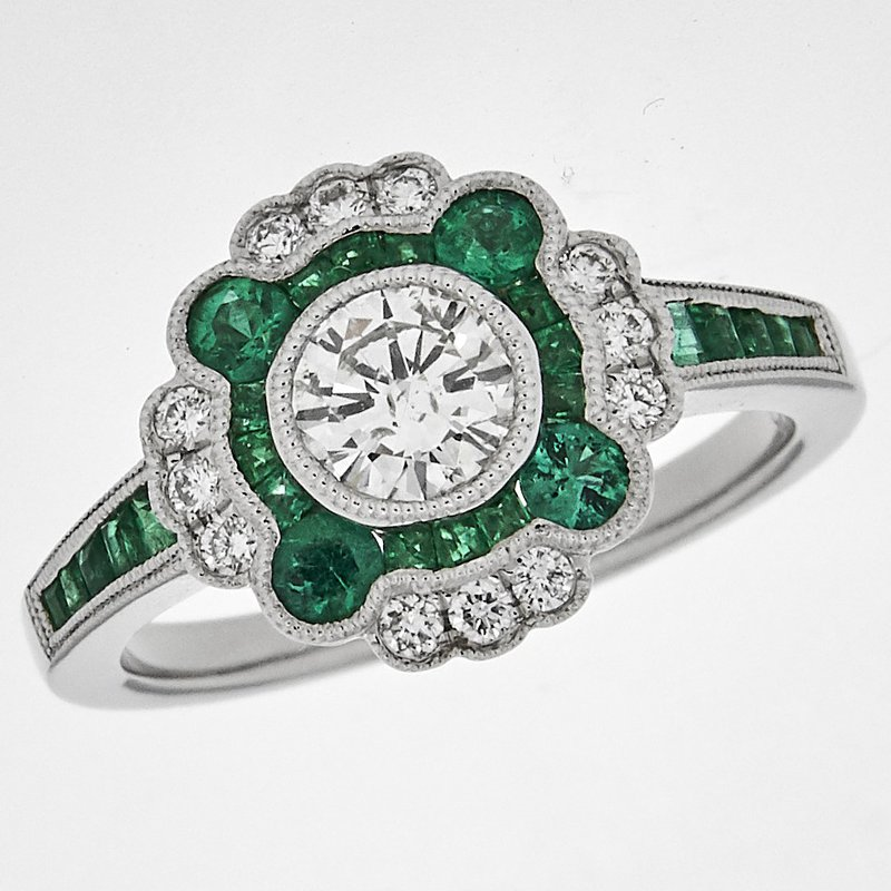 Gemstone Jewelry Emerald and Diamond Ring