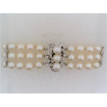 Lady's Three Strand Pearl Bracelet