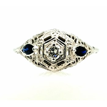 18k White Gold Filigree Ring with 1 Diamond and 2 Sapphires