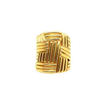 Lady's 18K Yellow Ring