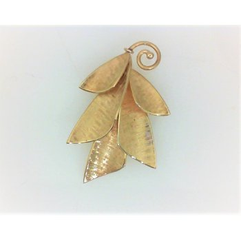 Lady's 14K Gold Estate Petal Pin