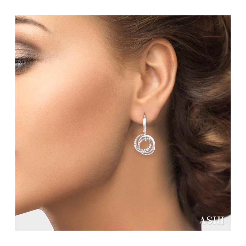 Lovebright Collection Jewelry CIRCLE DIAMOND EARRINGS