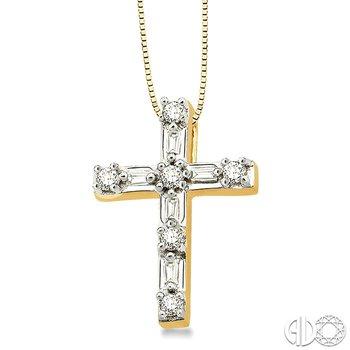 1/4 Ctw Diamond Cross Pendant in 14K Yellow Gold with chain