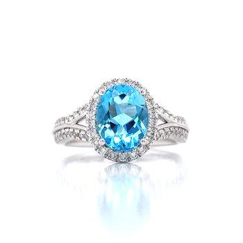 Lavish & Refreshing Blue TopazRing