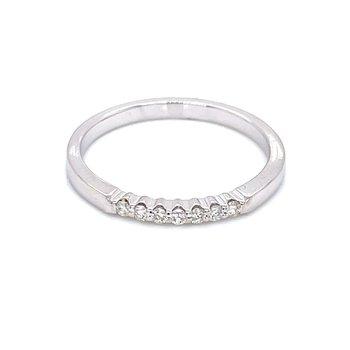 7 Diamond Shared Prong Band 1/10ctw 14kw